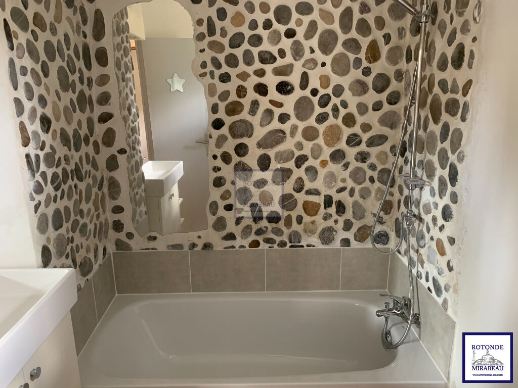 Location Appartement AIX EN PROVENCE séjour de 22.87 m²