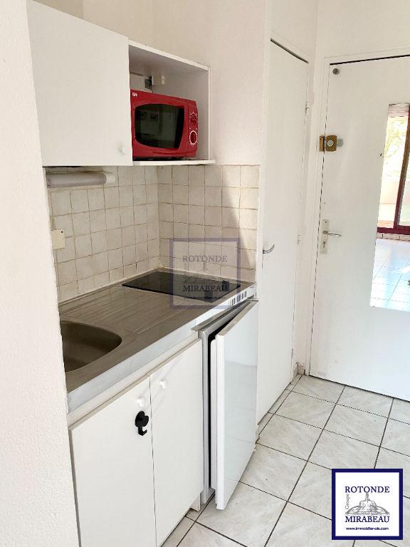 Location Appartement AIX EN PROVENCE séjour de 9.31 m²