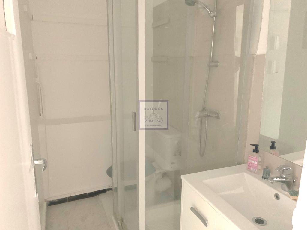 Location Appartement AIX EN PROVENCE séjour de 10.85 m²