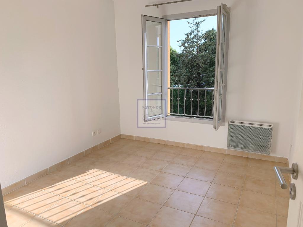Location Appartement AIX EN PROVENCE séjour de 24.11 m²