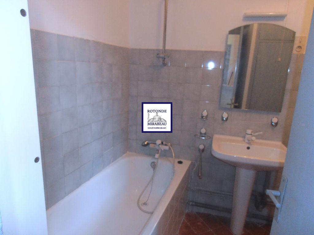 Location Appartement AIX EN PROVENCE séjour de 11.15 m²