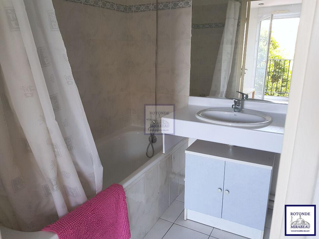 Location Appartement AIX EN PROVENCE séjour de 17.94 m²