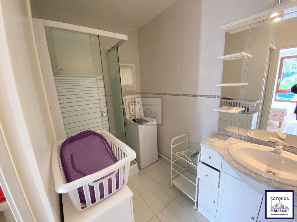 Location Appartement AIX EN PROVENCE séjour de 19.8 m²