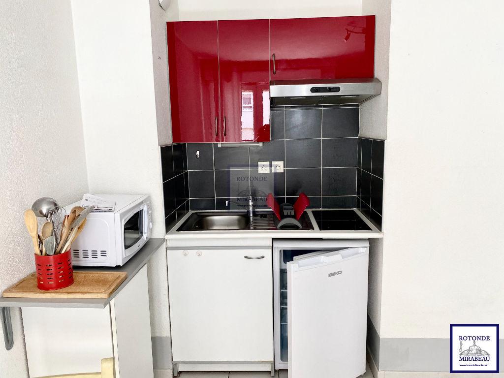 Location Appartement AIX EN PROVENCE séjour de 16.62 m²