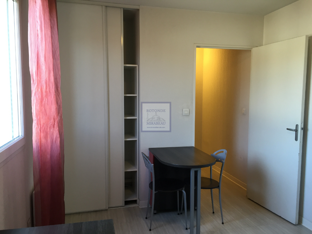 Location Appartement AIX EN PROVENCE surface habitable de 18.45 m²
