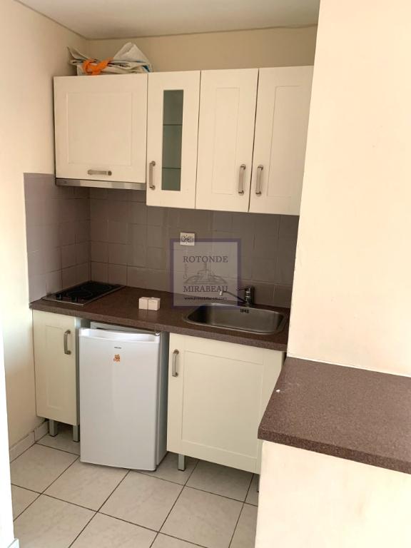 Location Appartement AIX EN PROVENCE séjour de 19.38 m²