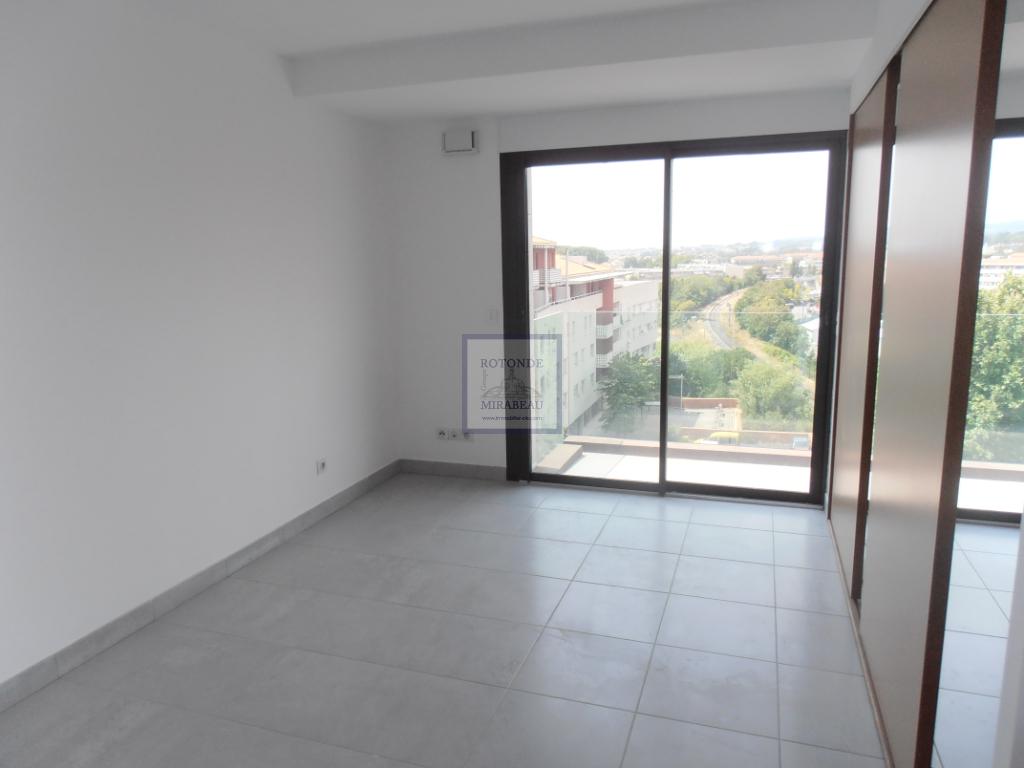 Location Appartement AIX EN PROVENCE séjour de 12.07 m²