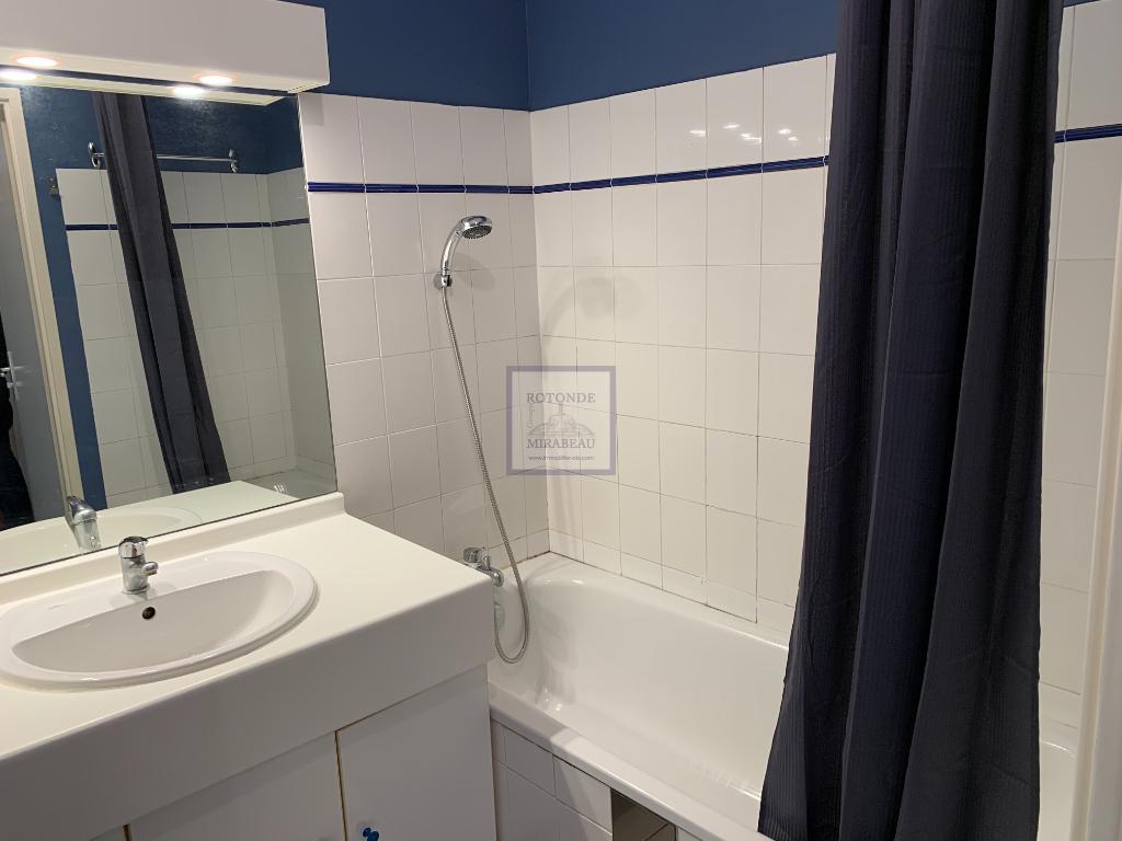 Location Appartement AIX EN PROVENCE séjour de 23 m²