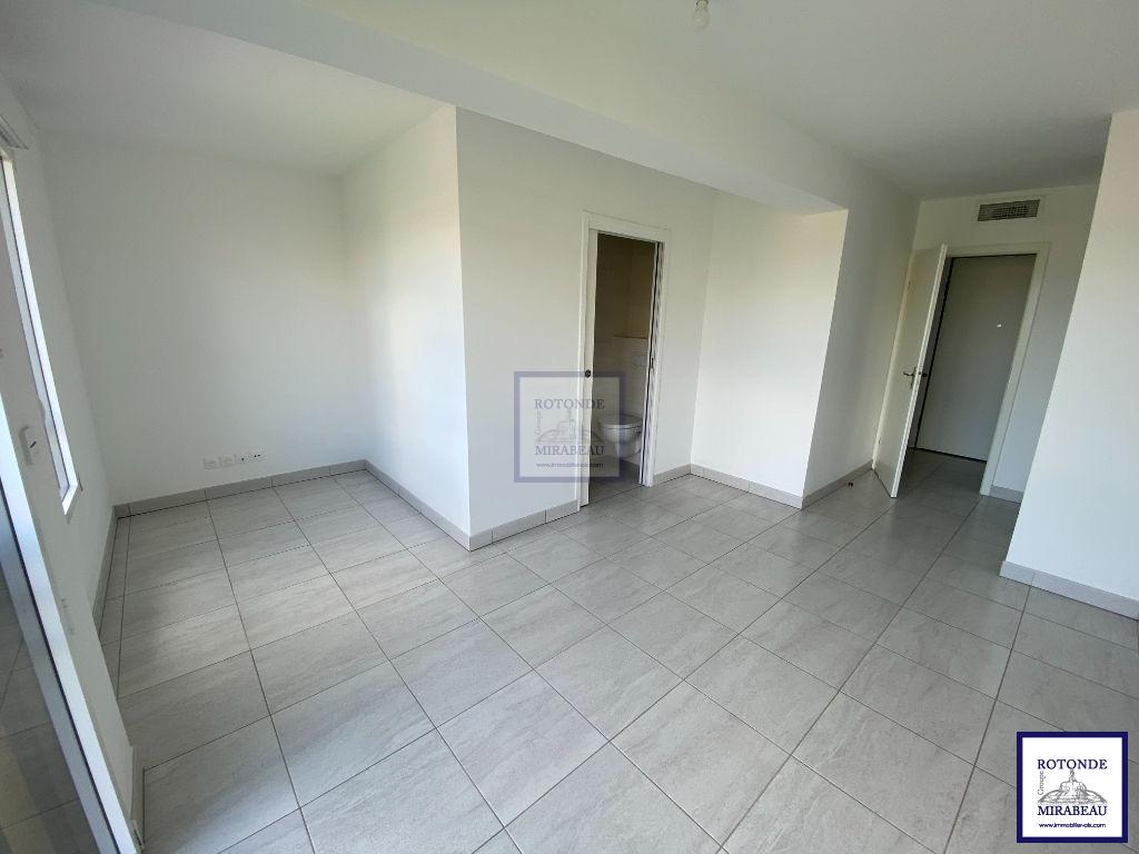 Location Appartement AIX EN PROVENCE séjour de 30.45 m²
